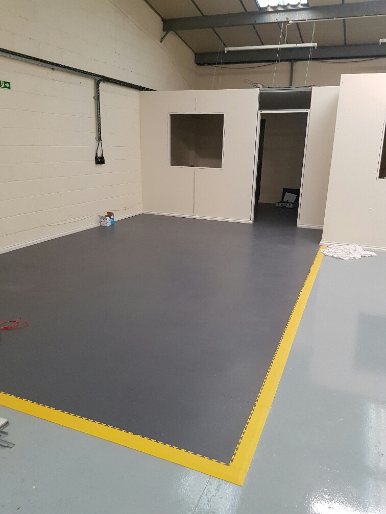 Interlocking ESD Floor Tiles 2
