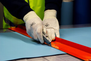 Simon cutting ESD mat Bondline